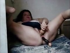 Big granny masturbating..